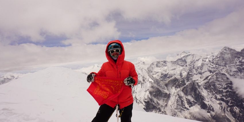 Ama Dablam: Olga Dobranowski's Solo Summit Success for the Wongchhu Sherpa Memorial Hospital